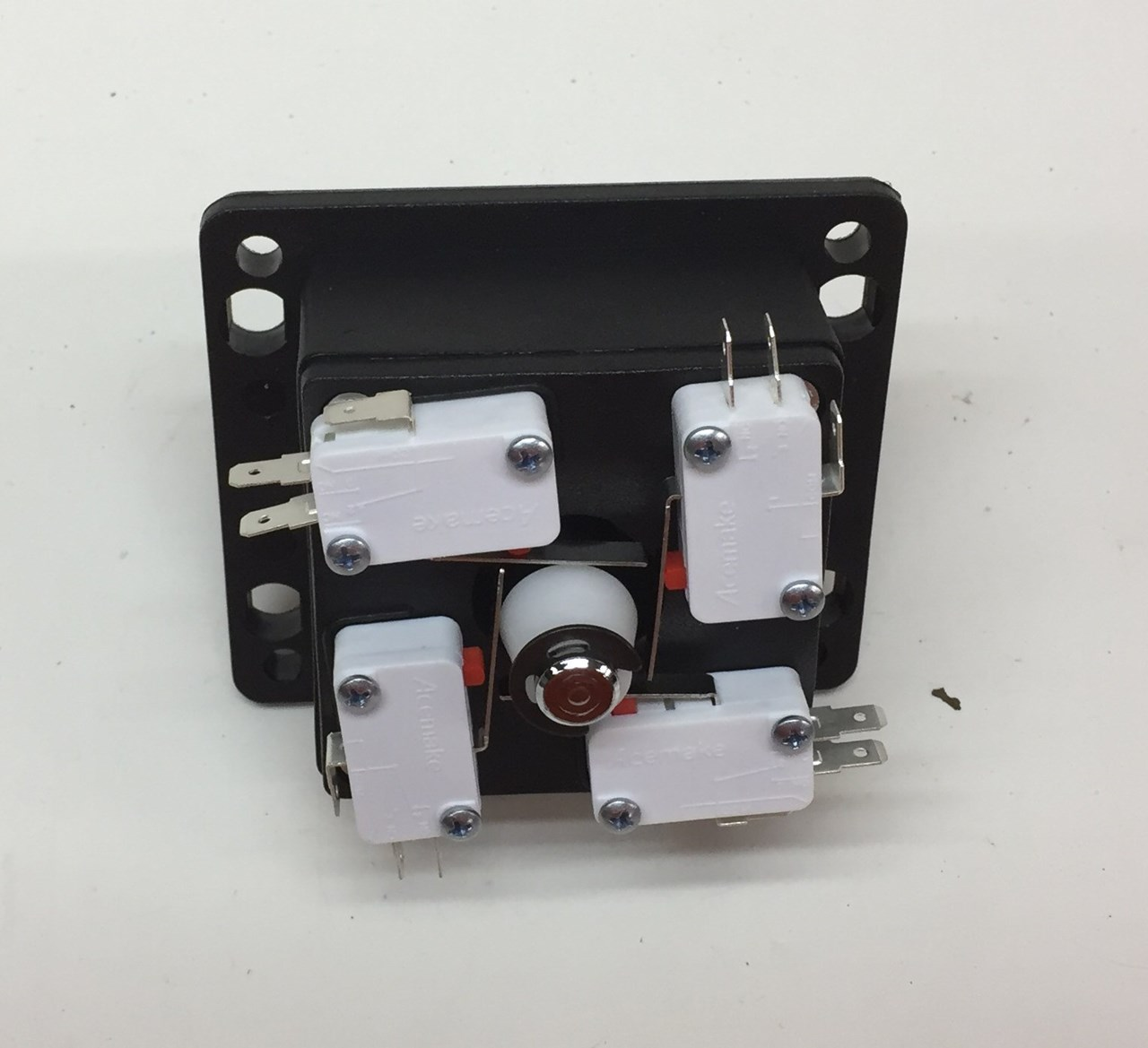 moreover Mkk P also Dsc X as well D New Brake Light Switch Lr Waterfloor in addition Electronicturnswitch. on 3 way light switch wiring